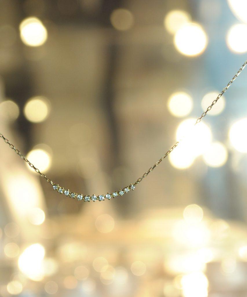 ダイヤモンド11石のネックレス